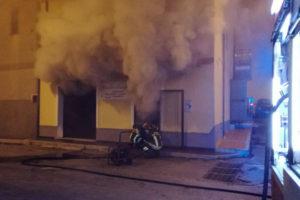Incendi: Vigili fuoco impegnati nella notte a Isola Capo Rizzuto