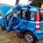 Incidenti: auto contro albero nel Catanzarese, muore giovane