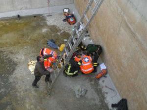 Incidenti lavoro: operaio cade da scala e muore nel Cosentino