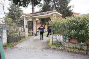 Strage familiare: posti sotto sequestro abitazione e negozio