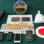 Droga: forzano posto blocco, inseguiti e arrestati nel Cosentino