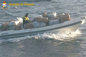Droga: operazione Catanzaro, capi e gregari tra gli arrestati