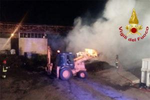 Rifiuti: in fiamme nella notte isola ecologica Isola Capo Rizzuto