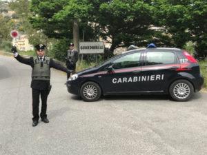 Colpisce il padre e minaccia madre, 49enne arrestato dai Carabinieri