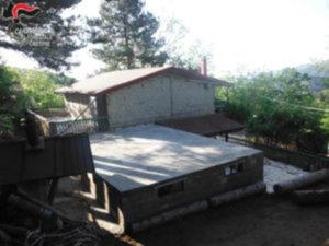 Abusivismo: fabbricato in costruzione sequestrato nel Crotonese