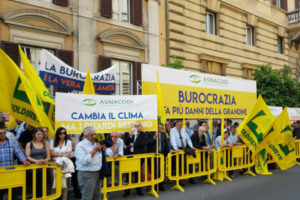 Agricoltura: Coldiretti, in 100mila attendono rimborsi calamita'