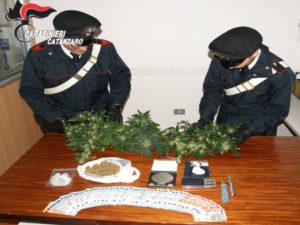 Droga: in casa e cantina diverse dosi, arrestato a Catanzaro