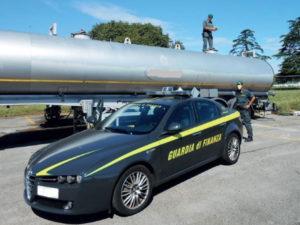 Controlli GdF Vibo Valentia,sequestrati autobotte e gasolio