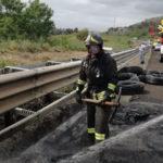 Incendi: in fiamme autoarticolato sulla A2 tra Falerna e Lamezia