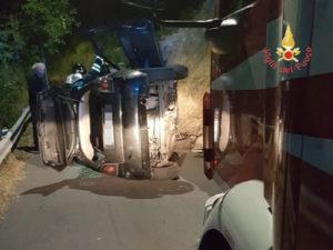 Incidenti stradali: Catanzaro, auto si ribalta, ferita conducente