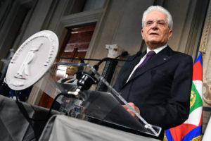 Mattarella, ultimo appello a partiti, o governo servizio o voto