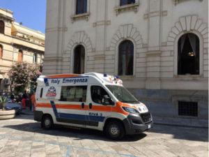 Lavoratore licenziato minaccia di darsi fuoco con benzina a Reggio