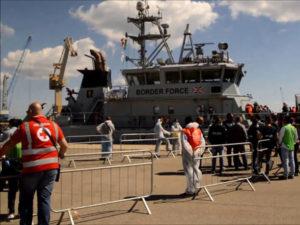 Migranti: a Reggio Calabria nave con 46 persone a bordo