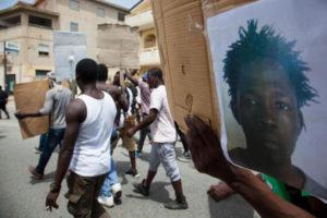 """Migrante ucciso: Arci Calabria, """"non e' uno dei soliti episodi"""""""