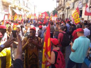 """Migrante ucciso: corteo Usb a R.Calabria, """"no allo sfruttamento"""""""