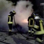 Auto distrutta da incendio durante la notte a Catanzaro