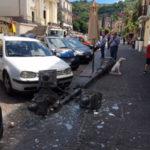 Lamezia: crolla palo su Corso Numistrano, tragedia sfiorata