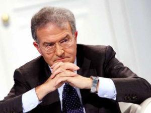 Dl Dignita': Cicchitto (Rel), Di Maio ministro semi-analfabeta