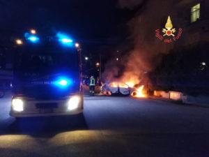 Incendi: Volkswagen Polo andata completamente distrutta