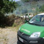 Incendi: appicca fuoco a sterpaglia per pulire terreno, denunciato