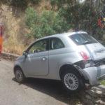 Incendi stradali: perde controllo vettura e ripercorre a ritroso strada