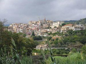 """Regione: Oliverio presenta a Isca il """"Progetto Borghi"""""""