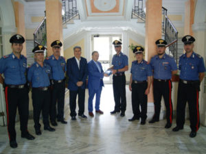 Associazione dona defibrillatore a carabinieri Palmi