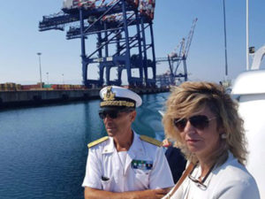 Porto Gioia Tauro: Lezzi, lavoratori sono la priorita'