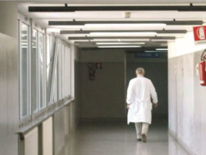 Medico aggredito: Crotone si ribella, martedi' sit-in solidarieta'
