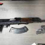 Armi: kalashnikov e ordigno esplosivo sequestrati nel Vibonese