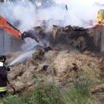 Incendi: in fiamme struttura adibita a fienile nel Catanzarese
