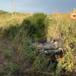 Incidenti stradali: Mini Cooper si ribalta nel Catanzarese, tre feriti
