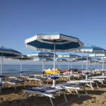 Sicurezza mare: sanzioni Polizia a titolari lidi costa crotonese