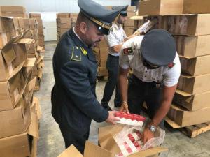 Contrabbando: Gdf Genova sequestrate 8 tonnellate di sigarette