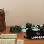Armi e droga: fucile e marijuana in una canale di scolo nel Reggino