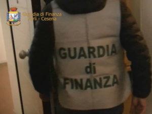 Caporalato: Gdf Forli', smantellata organizzazione, tre arresti
