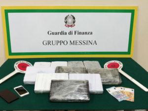 Droga: sequestrati 11 kg. cocaina a Messina, arrestato corriere