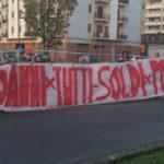 Metro Cosenza-Rende: protesta attivisti a Palazzo dei Bruzi