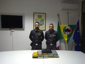 Droga: 17 kg di cocaina sequestrati nel porto di Gioia Tauro