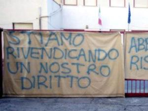 Scuola: accorpamento classi, protesta dei genitori ad Aieta