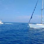 Migranti: in 80 su veliero in balia delle onde nel Crotonese