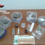 Droga: marijuana ed ecstasy in casa e auto, arresto a Catanzaro