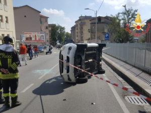 Incidenti stradali: scontro tra di auto a Catanzaro