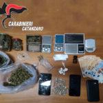 Controlli antidroga: due giovani arrestati a Catanzaro dai carabinieri