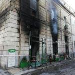 Incendio distrugge negozio in centro a Reggio Calabria