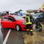 Incidenti stradali: scontro tra due auto nel Crotonese, feriti