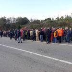 Lavoro: precari bloccano SS 106 nel Cosentino, disagi