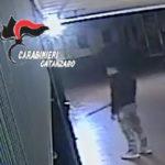 Tenta rapina armato di coltello e bastone, arrestato dai carabinieri