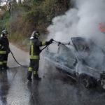 Lamezia: Fiat Panda 4×4 distrutta da un incendio a Fronti