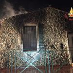 Lamezia: a fuoco casolare all'interno del parco XXV Aprile